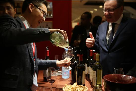 """烟酒研究:被誉为""""葡萄酒界奥斯卡盛宴""""的第"""